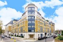 3 bedroom Flat in Regent Plaza, Nw6