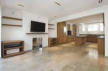 4 bed Terraced house in Hamilton Gardens St...