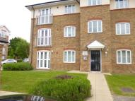 1 bed Ground Flat in Periwood Crescent...