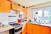 3 bedroom Town House to rent in Clarkson Row, London