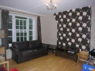 Flat to rent in Pheonix Road, Camden