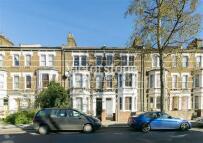 Studio apartment to rent in Fernhead Road...