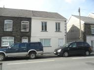 End of Terrace property to rent in School Street...