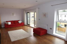 Flat to rent in Bournebrook Grove...