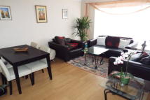 Flat to rent in Neave Crescent...