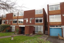 3 bedroom Maisonette to rent in Abbotts Way, Finchfield
