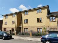 2 bed Flat to rent in Courtauld Road...