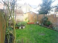 2 bed Flat to rent in Carlingford Road...