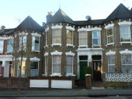 6 bed Terraced property in Duckett Road...