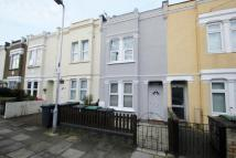 3 bed Flat to rent in Eleanor Road...