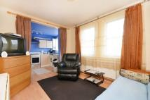 1 bed Flat in Lee High Road, Lee, SE12