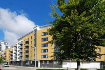 2 bed Flat to rent in Tarves Way, Greenwich...