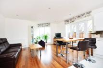 2 bed Flat to rent in Bush Road, Deptford, SE8