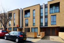 Maisonette to rent in Annandale Road...