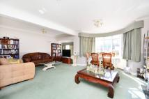 7 bedroom property in Mottingham Gardens...