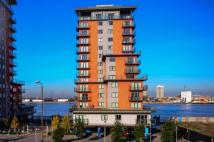 Flat to rent in Mast Quay, Woolwich, SE18