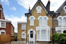 2 bed house in Embleton Road, Ladywell...
