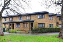 2 bed property to rent in Hurren Close, Blackheath...