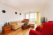 2 bedroom Flat in Tarves Way, Greenwich...