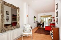 2 bedroom house in Manor Lane, Hither Green...