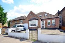 4 bed Bungalow in Winterbourne Road...