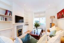 2 bedroom property in Furzefield Road...