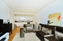 Flat to rent in Love Lane, Woolwich, SE18