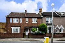 2 bed home in Charlton Road...
