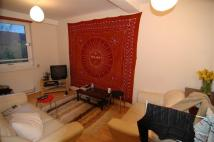 Maisonette to rent in Bonner Street...