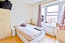 3 bed Flat in Goulston Street...