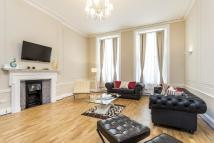 Flat to rent in Gloucester Place, London...
