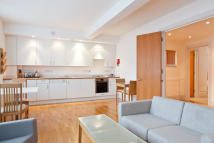 2 bed Flat to rent in Red Lion Street, London...