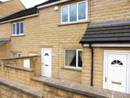 Flat to rent in King Street, Hoyland...
