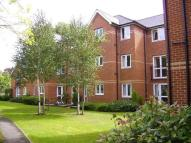 Flat to rent in Monmouth Court...