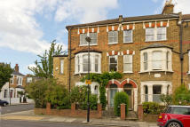 5 bedroom End of Terrace house for sale in Beversbrook Road, London...