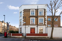 Apartment to rent in Brecknock Road, London...