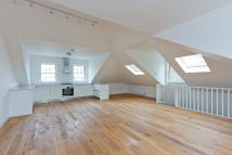 3 bedroom Apartment in Brecknock Road, London...