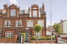 End of Terrace house to rent in Agincourt Road, London...