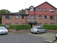 2 bedroom Ground Flat in Chessington