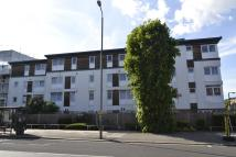 2 bed Apartment in Weighton Road, London...