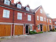Town House to rent in Water Lane, West Malling...