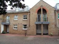 3 bedroom semi detached house in Hills Mills, Ealing...