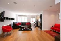 Flat to rent in Carlton Mansions...