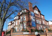 Flat to rent in Glenfield Road...