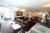 Apartment to rent in Keswick Road, Putney