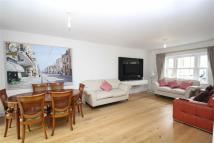 4 bedroom Mews in Benkart Mews, Roehampton
