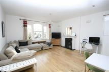 3 bed Flat in West Hill Road, Putney