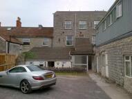 Flat to rent in Farm Road, Street