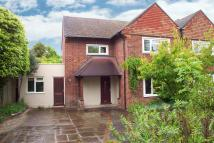 semi detached house to rent in Oaken Drive, Claygate