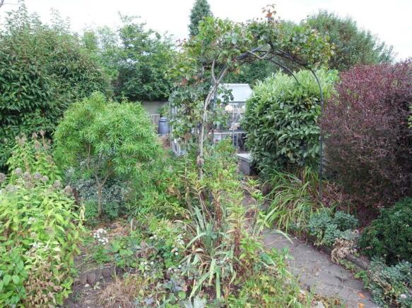 CreditonWay10.Garden